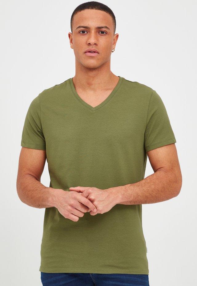 LINCOLN - T-shirt basic - olivine