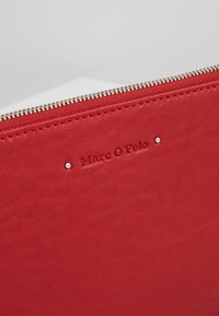Marc O'Polo - POUCH - Trousse - lipstick red - 2