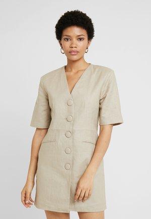 FITTED SHARP DRESS - Shift dress - beige