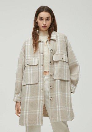 Krátký kabát - nude