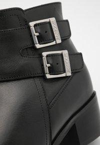 Barbour - INGLEWOOD - Kotníková obuv - black - 6