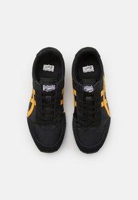 Onitsuka Tiger - NEW YORK UNISEX - Sneakers basse - black/shock orange - 3