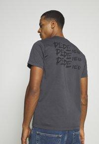Pepe Jeans - ALBERT UNISEX - Print T-shirt - steel grey - 2