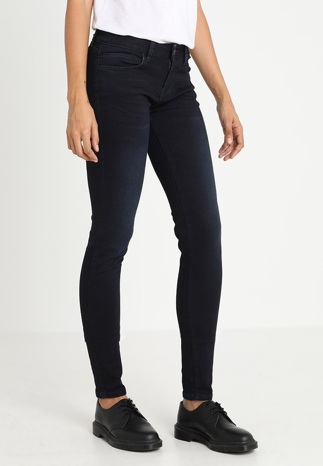 NICOLE - Slim fit jeans - parvin wash