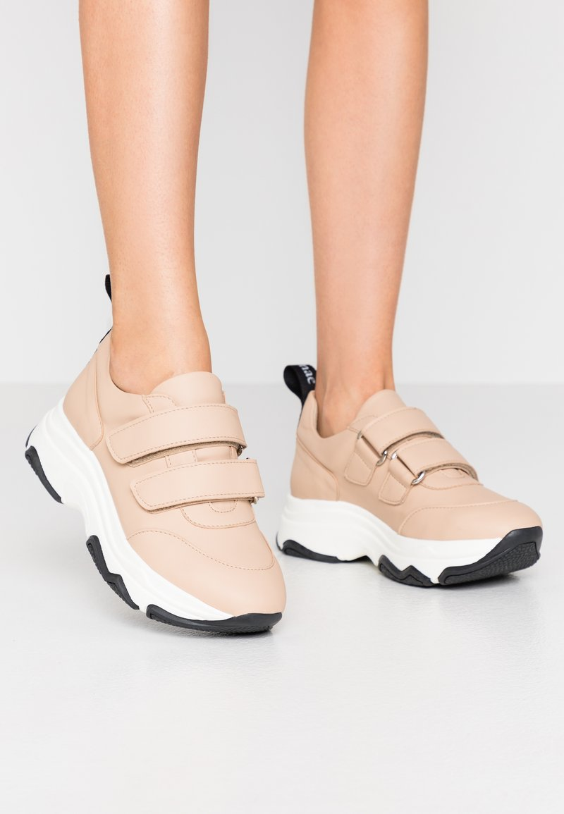 NAE Vegan Shoes - COLINE - Matalavartiset tennarit - nude