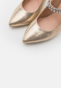Menbur - High heels - gold - 5