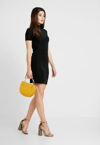 Noisy May Petite - NMNONA MINI DRESS - Shift dress - black - 2