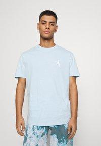 YOURTURN - UNISEX - T-shirt med print - light blue - 2
