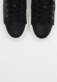 ONLY SHOES - ONLLIV - Sneakers laag - black