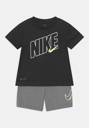 DRI-FIT SPORT SET  - T-shirt z nadrukiem - smoke grey