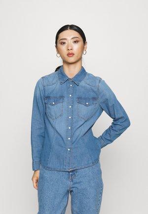 ONLROCK IT LIFE SHIRT - Button-down blouse - medium blue denim