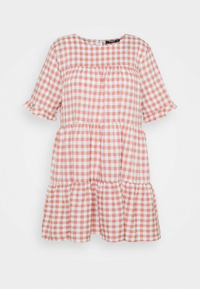 PLUS CHECK FRILL CUFF RUCHED MINI DRESS - Korte jurk - pink