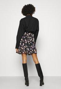 Guess - CHIKA SKIRT - Mini skirt - multi coloured - 2