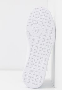 Lacoste - CARNABY EVO - Sneakers laag - white/navy/red