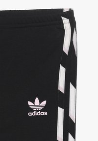 adidas Originals - HOODIE SET - Träningsset - black/white/clear pink - 3