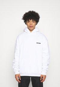 9N1M SENSE - HYPNOTIC HOODIE UNISEX - Sweatshirt - white - 2