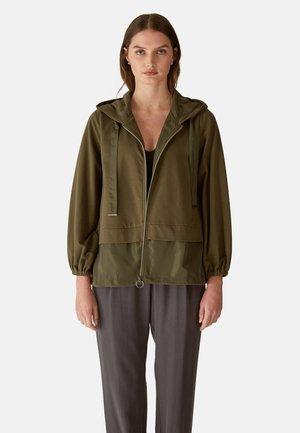 CON TAFFETAS - Summer jacket - verde