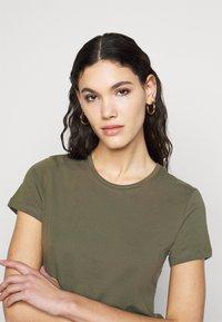 ONLY Tall - ONLPURE LIFE O NECK 2 PACK - Basic T-shirt - grape leaf/apple butter - 4
