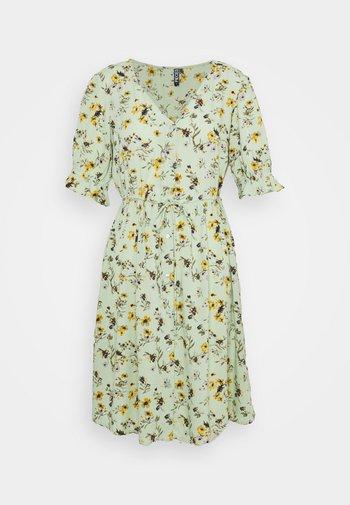 PCCARLA DRESS - Day dress - pastel green