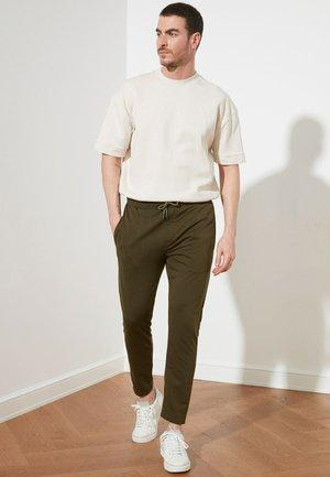 TRENDYOL PARENT - Pantalon de survêtement - green