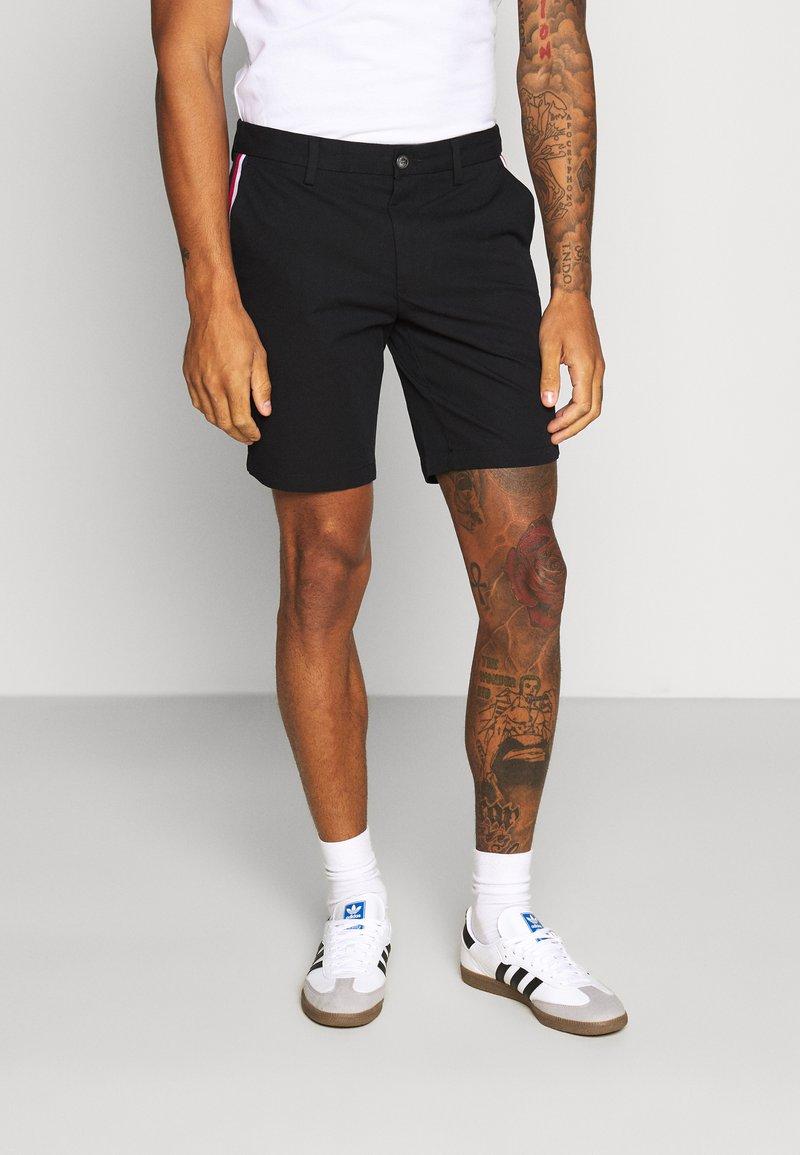Tommy Hilfiger - DENTON CORP STRIPE - Shorts - black