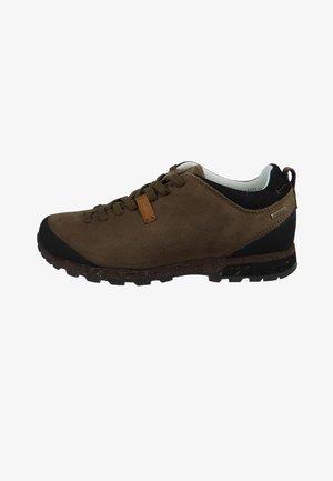 WANDERSCHUHE BELLAMONT III NBK GTX - Walking trainers - brown