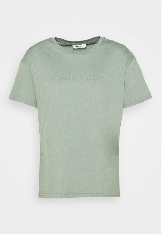LIV LOGO TEE - Print T-shirt - green