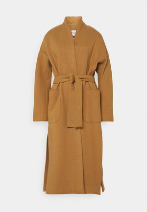 COAT ELONGATED OVERLAPP V-NECK  BELT BIG PATCH  - Klassinen takki - gold amber