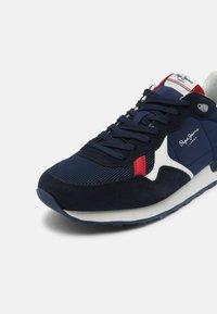 Pepe Jeans - BRITT MAN - Sneakers - navy - 6