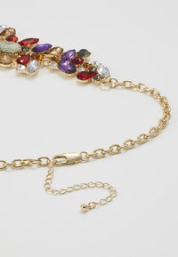 Pieces - PCFLORINNA STONE NECKLACE - Smykke - gold-coloured/red - 3