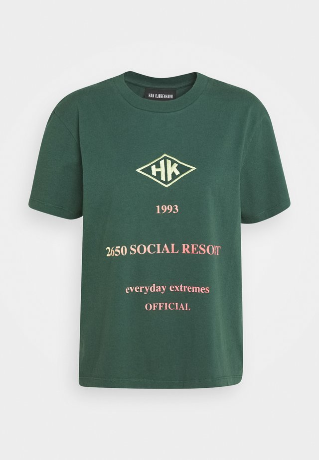 ARTWORK TEE - T-shirt con stampa - faded green