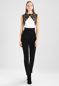 WAL G. - SHOULDER CONTRAST - Jumpsuit - black/white - 1