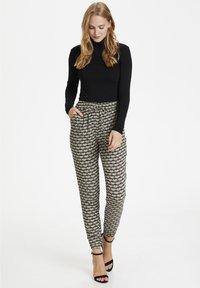 Kaffe - ROKA AMBER PANTS - Trousers - grape leaf  fan print - 1