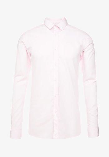 ELISHA - Formal shirt - rosa