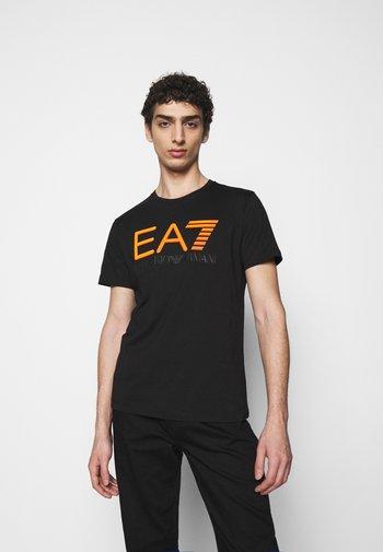 T-shirt print - black/orange