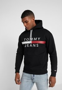 Tommy Jeans - REFLECTIVE FLAG HOODIE - Hoodie - tommy black - 0
