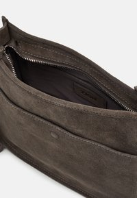 Zign - LEATHER - Across body bag - 8anthracite - 2