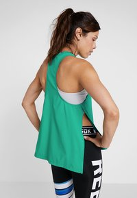 Reebok - MEET YOU THERE TRAINING TANKTOP - Funktionstrøjer - emeral - 2