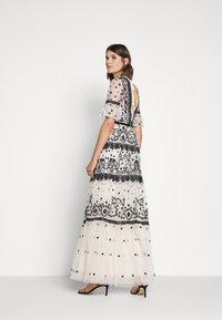 Needle & Thread - MIDSUMMER GOWN - Occasion wear - champagne/black - 2