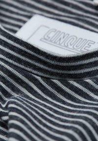 Cinque - Print T-shirt - black - 2