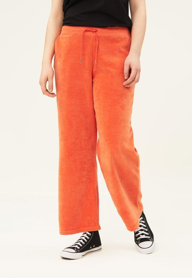 LEONA  - Träningsbyxor - orange