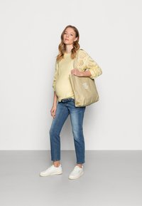 Pieces Maternity - PCMPENELOPE - Jumper - almond oil - 1