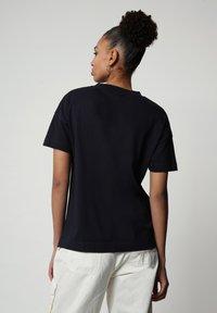 Napapijri - Print T-shirt - blu marine - 1