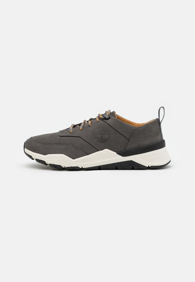 CONCRETE TRAIL OXFORD - Sneakers basse - medium grey