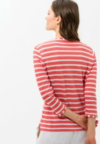 BRAX - STYLE CLAIRE - Long sleeved top - coral - 2
