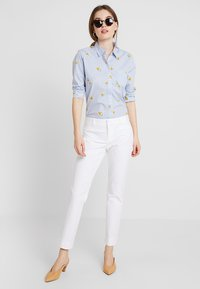 Banana Republic - SLOAN SOLID - Spodnie materiałowe - white - 1