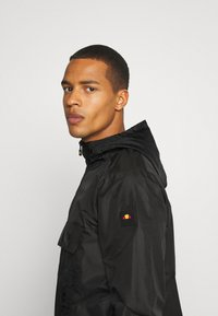 Ellesse - LIOM - Windbreaker - black - 5