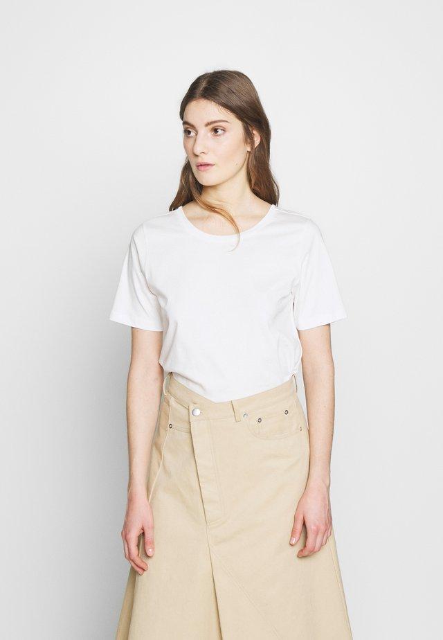 T-shirts basic - pristine white
