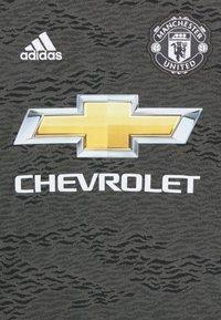 adidas Performance - MANCHESTER UNITED AEROREADY FOOTBALL UNISEX - Club wear - legacygreen/black - 2