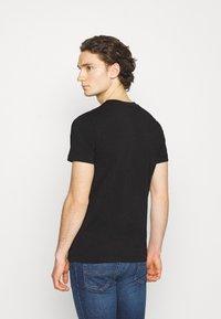 Diesel - UMLT-DIEGOS-J-V T-SHIRT - Print T-shirt - black - 2